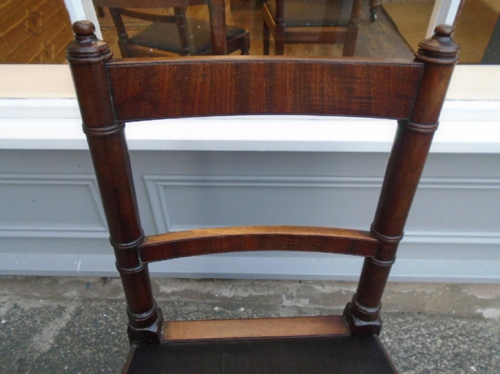 4 Georgianische Antike Englische Sheraton Mahagoni Esszimmerstühle ca. 1790