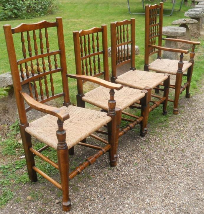 4 Antike Englische Ulmen Esszimmerstühle im Lancashire Stil ca. 1920