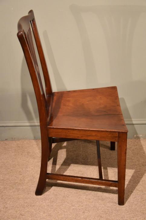 6 Englische Antike Mahagoni Esszimmerstühle im Landhausstil ca. 19. JH.