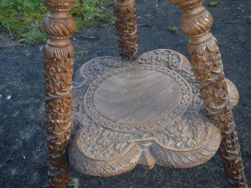 Antiker anglo-indischer Beistelltisch Massivholz ca 1900