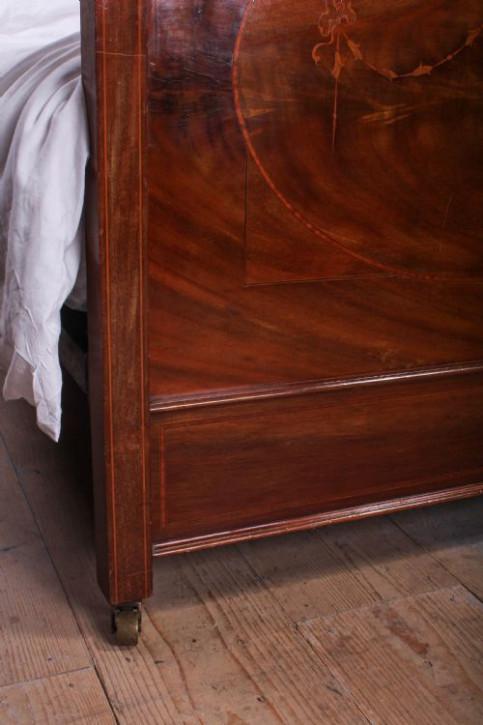 Antike englische Nussbaum Betten Einzelbetten ca 1920