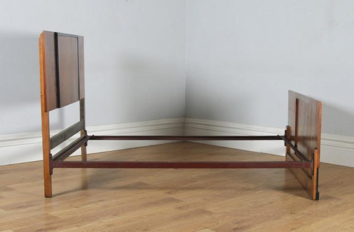 Antikes Art Deco Nussbaum Doppelbett englisch ca 1930