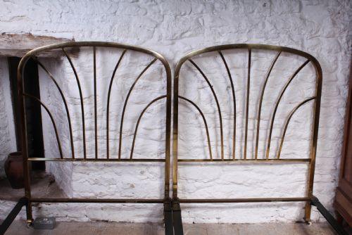 Antike britsische Art Deco Betten Messing Einzelbetten ca 1920