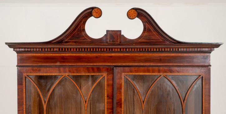 Englisches Sheraton Revival Mahagoni Bücherschrank antik ca 1880