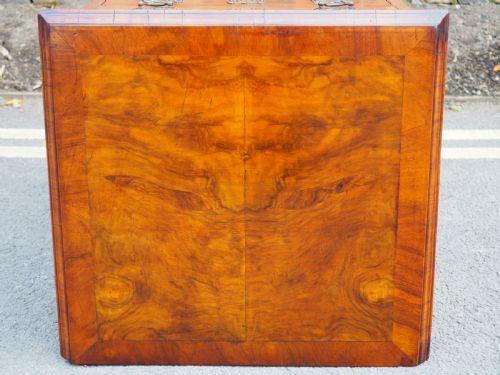Antike britische Nussbaum Kommode ca 1920