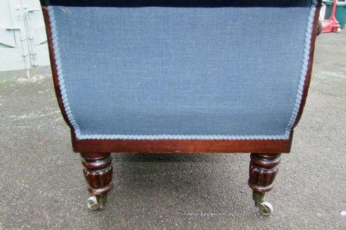 Antikes britisches Mahagoni Stoffsofa Sofa Stoff 19. Jh