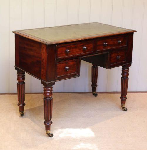 Antiker Englischer Mahagoni Schreibtisch im Gillows Stil ca. 1880