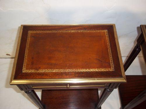 Antike britische Mahagoni Nachttische Beistelltische ca 1920