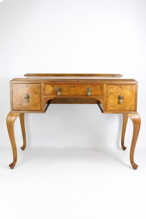 Antiker britischer Nussbaum Schreibtisch ca 1920