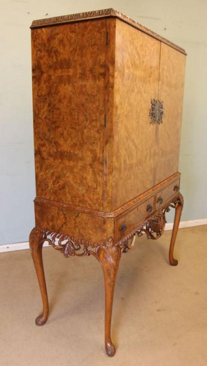 Antiker britischer Cocktailschrank Nussbaum ca 1930