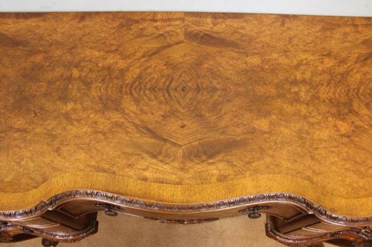 Antiker britischer Nussbaum Schreibtisch Schminktisch ca 1920