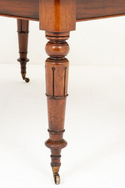 Antiker britischer Mahagoni Esstisch ca 19. Jh
