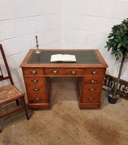 Antiker britischer Nussbaum Schreibtisch viktorianisch ca 1880