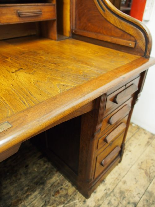 Antiker britischer Nussbaum Schreibtisch Rolltop ca 1890