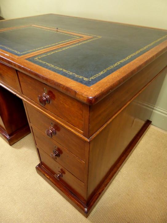 Englischer Antiker Mahagoni Partner Schreibtisch ca. 1850