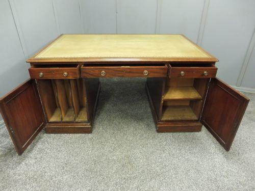 Antiker Englischer Mahagoni Partner Schreibtisch ca. 1870