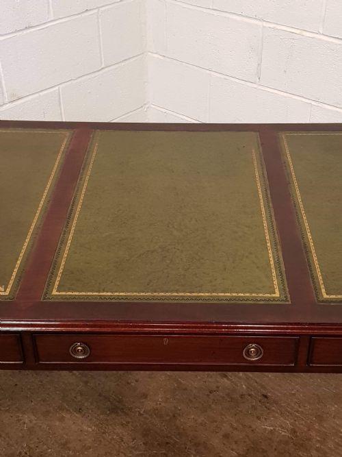 Antiker britischer Mahagoni Schreibtisch Partners Desk ca 1830