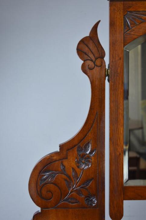 Viktorianisches antikes Nussbaum Sideboard Kommode britisch ca 1880