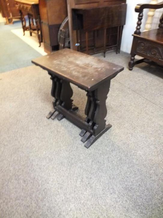 Antike britische Eichen Beistelltische Nest of Tables ca 1900