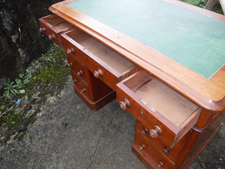 Viktorianischer Antiker Eiche Mahagoni Schreibtisch englisch ca. 1890