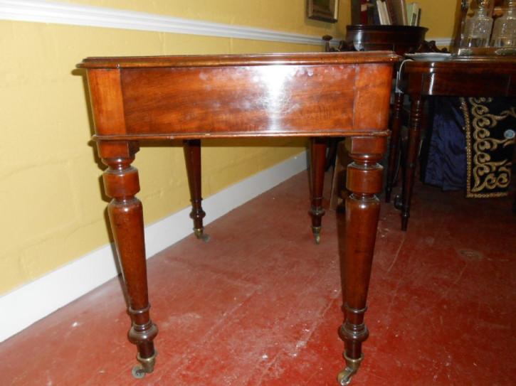 Viktorianischer Englischer Schreibtisch antik ca. 1860