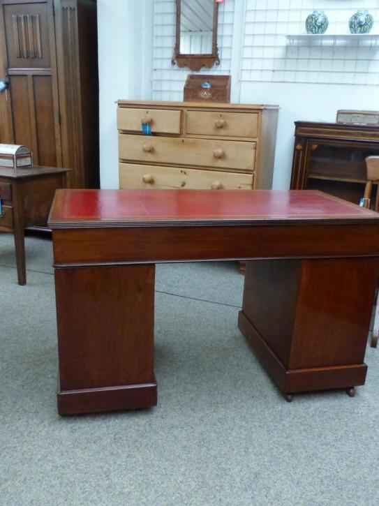 Viktorianischer Englischer Mahagoni Schreibtisch englisch ca. 1860
