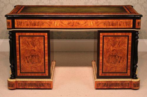Britischer antiker Schreibtisch Massivholz Nussbaum ca 1860