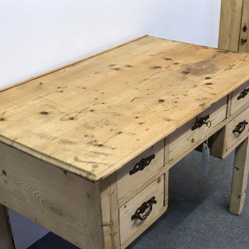 Antiker Kiefernholz Schreibtisch Weichholz antik ca 1920