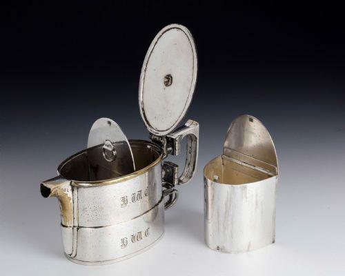 Teekanne mit Doppelgriff versilbert auf Nickel, frühes 20. Jahrhundert