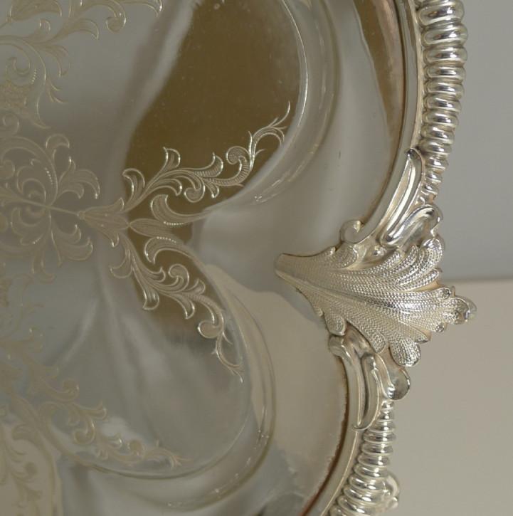 Antikes englisches versilbertes Tablett / Silver Plated Tray viktorianisch ca 1860