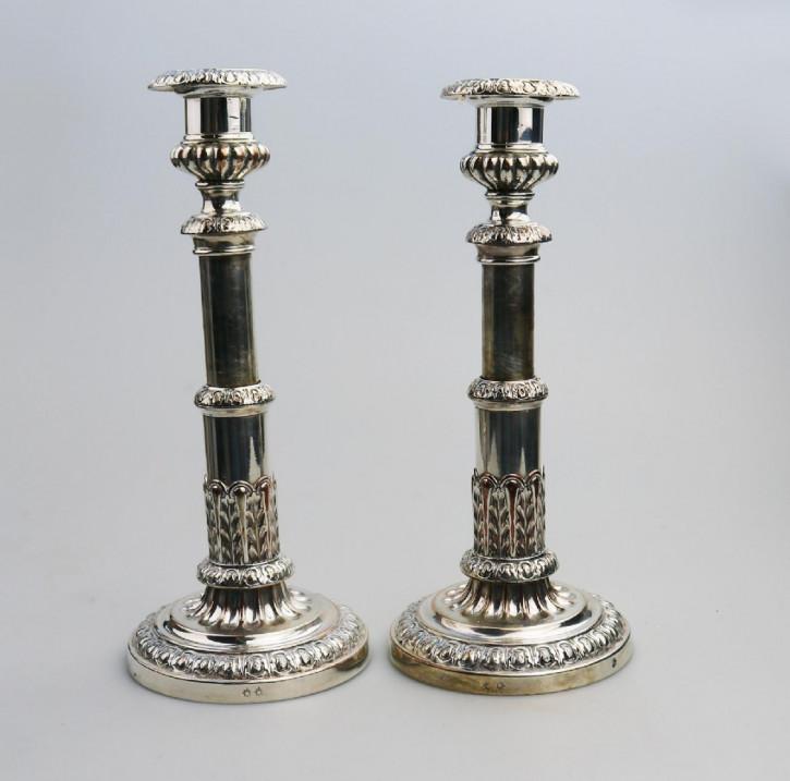 Antikes englisches Paar versilberter Kerzenleuchter / Silver Plated Candlesticks, ca 1800