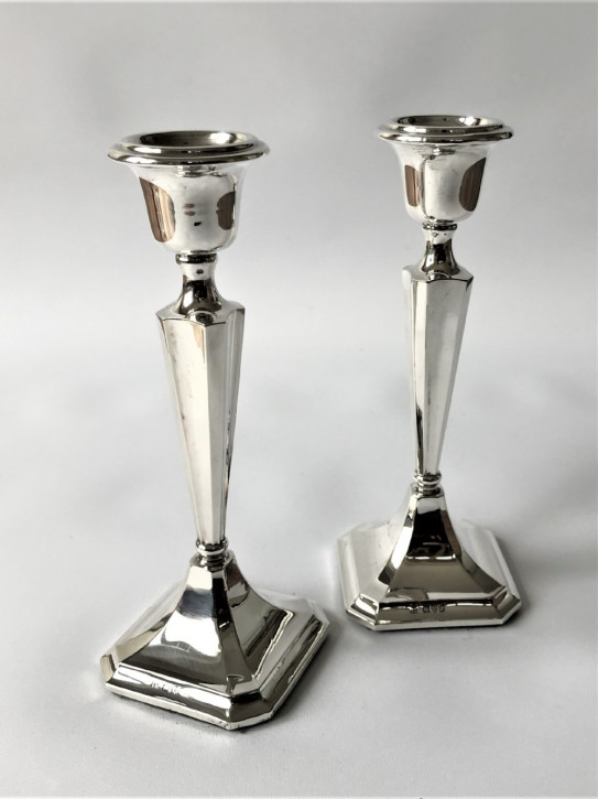 Antikes englisches Paar Silber Kerzenleuchter / Candlesticks, 1917