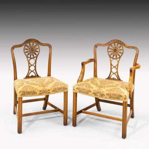 antikes Set aus 8 (6 + 2) Mahagonistühlen im Chippendale-Stil aus dem frühen 20. Jahrhundert