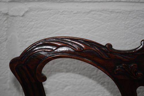 Set aus 8 antiken Esszimmerstühlen im Chippendale-Stil