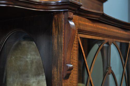 Große perfekte antike Vitrine Glasvitrine Mahagoni, sehr frühes 20. Jahrhundert