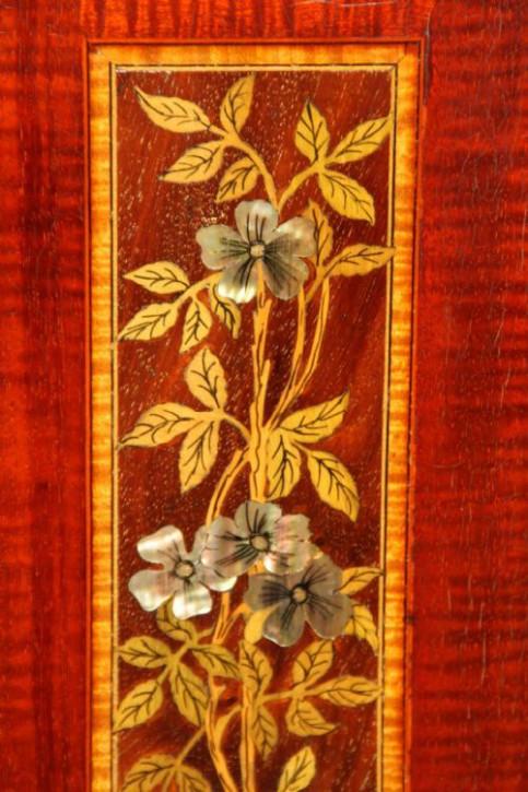 Kunsthandwerk Vitrine Glasvitrine Mahagoni Massivholzschrank antik ca. 1880