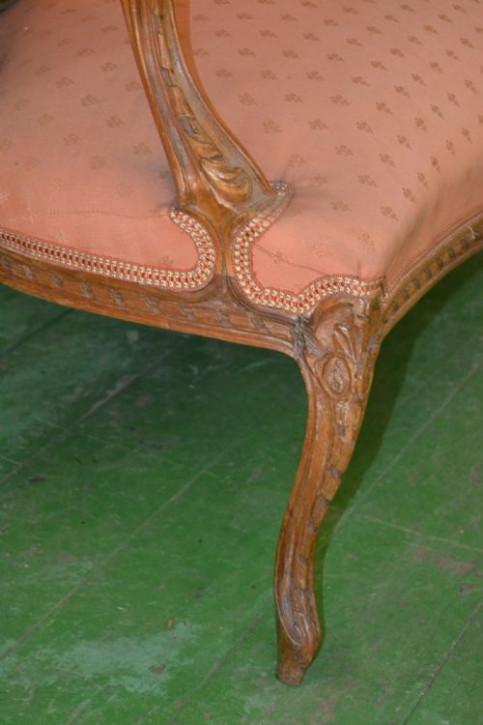 Louis XVI- Stil Antikes Nussbaumholz französisch geschnitztes Sofa ca. 1890