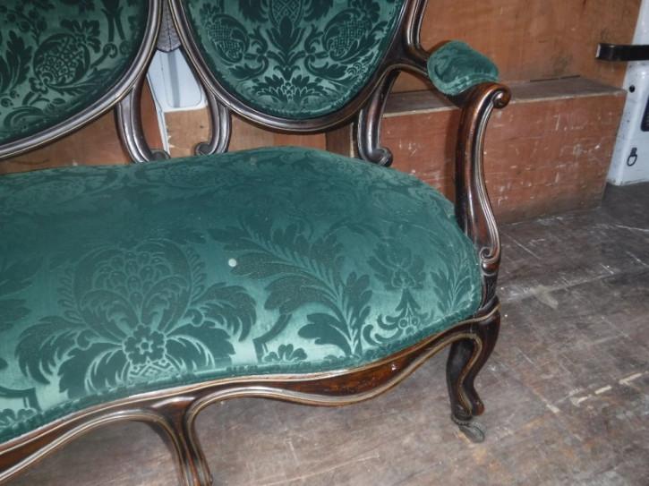 "Antikes Sofa aus Palisanderrahmen / ""Conversation  Sofa"" mit Messingarbeiten aus dem 19. Jahrhundert"