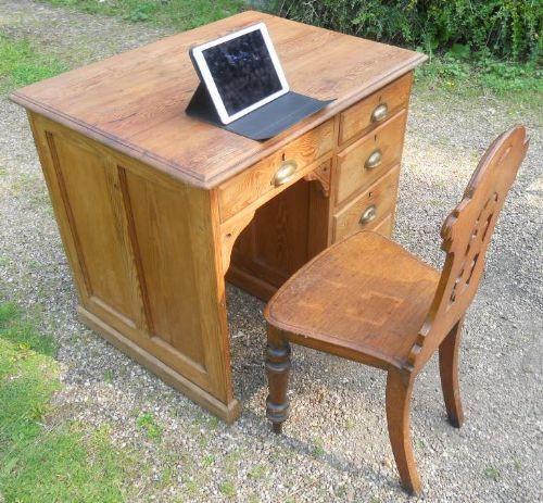 Edwardianischer Kiefernholz Schreibtisch Massivholz Weichholz antik ca 1900