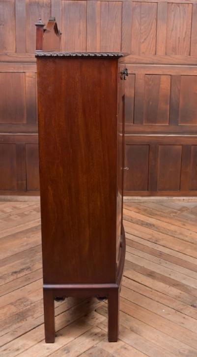 antike Kommode aus Mahagoni Massivholz 20. Jahrhundert
