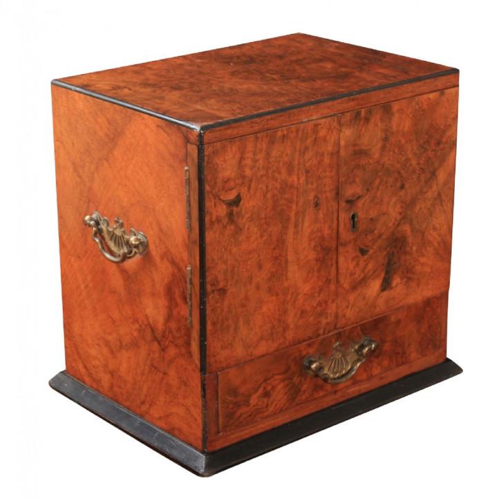 Antikes Smokers Cabinet / Raucher Schränkchen aus burr walnut (Wurzelnuss), viktorianisch, ca. 1880