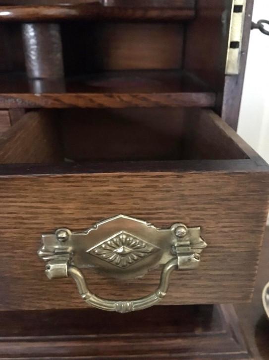 Smokers cabinet aus Eichenholz
