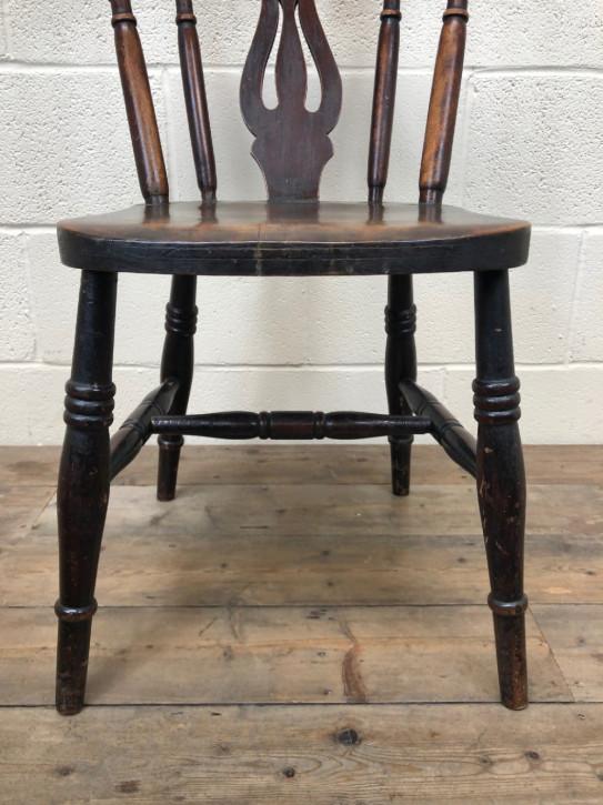 Set aus vier antiken Bauernstühlen aus Eschen- und Ulmenholz