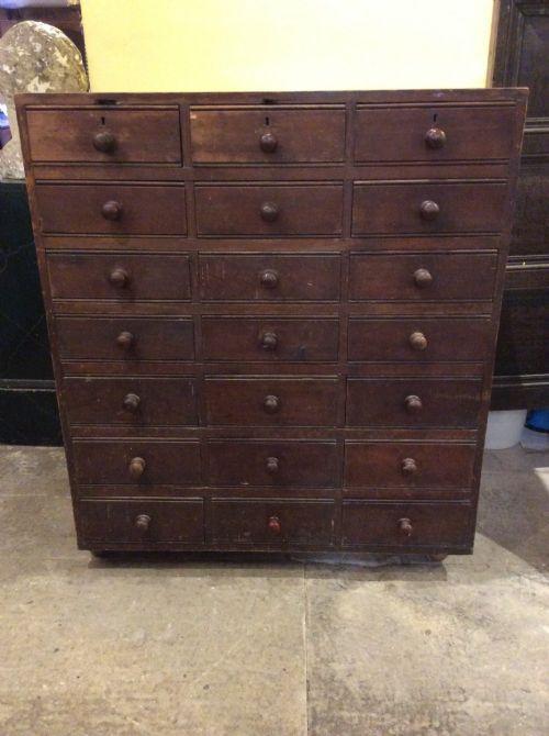 Kiefernschrank mit 21 Schubladen aus dem 19. Jahrhundert