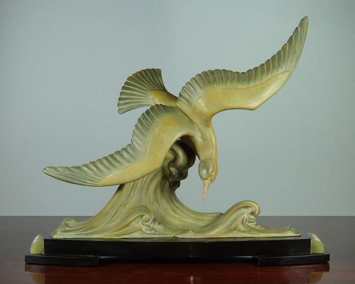 Antike Art-Deco-Seevogelskulptur von ca. 1935