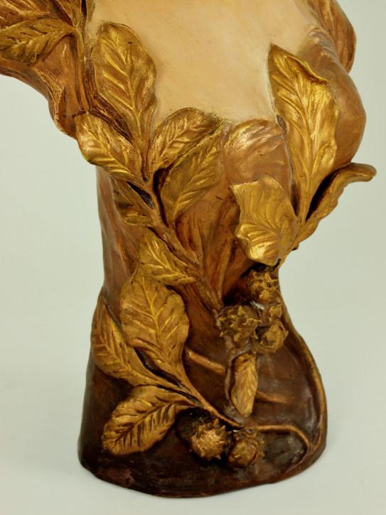 """Antike Terrakotta-Büste mit dem Titel """"l'esprit de marrons"""" von Cherc"""