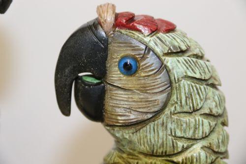 Antike große chinesische Specksteinskulptur die Papageien zeigt