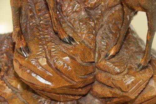 Antikes Figurenpaar Steinböcke mit Glasaugen aus Lindenholz Massivholz um 1890