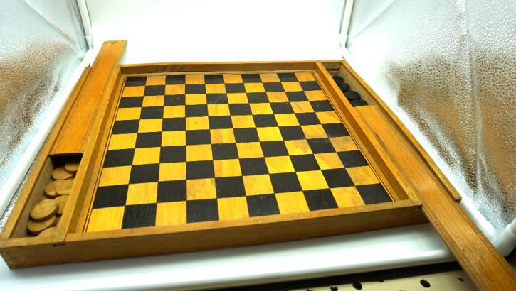 Damespiel  vintage Holzkasten mit Steinen
