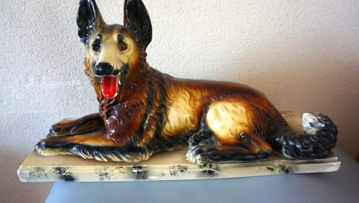 Skulptur eines Schäferhundes Platre France